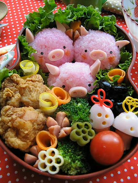 http://superdekret.ru/wp-content/uploads/2010/09/cute-best-japanese-food-art-bento-box-02.jpg