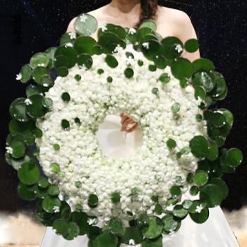 Букет в форме кольца